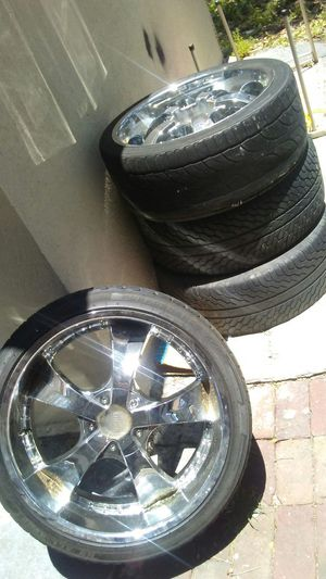"""22"""" rims and tires 265/35R22 for Sale in Tampa, FL"""