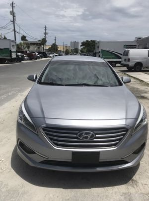Hyundai sonata for Sale in Miami, FL