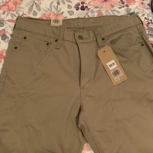 Never worn Levi's Athletic Taper Pants for Sale in Washington, DC