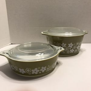 Pyrex Spring Blossom Crazy Daisy Baking Dishes with Lids for Sale in Naperville, IL