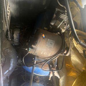 20 Gallon Old Compressor for Sale in Woodbridge, VA