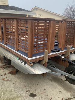 2011 Pontoon Boat for Sale in Rancho Cordova,  CA