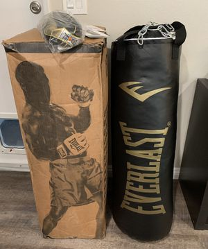 Everlast Heavy Punching Bag 80lbs With Speed Bag for Sale in Santa Clarita, CA