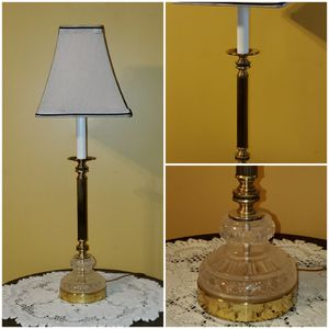 Vintage Crystal and brass lamp for Sale in Wichita, KS