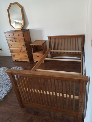 Bedroom furnitures set for Sale in Huntington Beach, CA