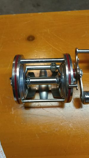 Fishing reel for Sale in New Brighton, MN