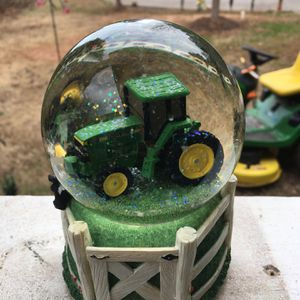 John Deere Globe for Sale in Temple, GA