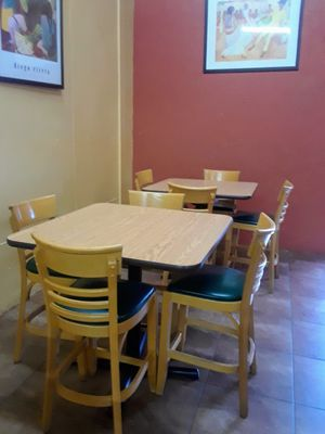 Table and chair set for Sale in East Wenatchee, WA