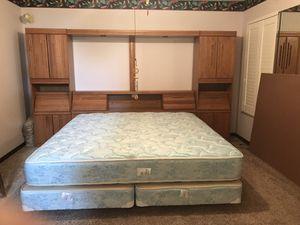 Kanes King size bedroom set for Sale in Melbourne Village, FL