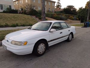 1993 Ford Taurus GL for Sale in Los Angeles, CA