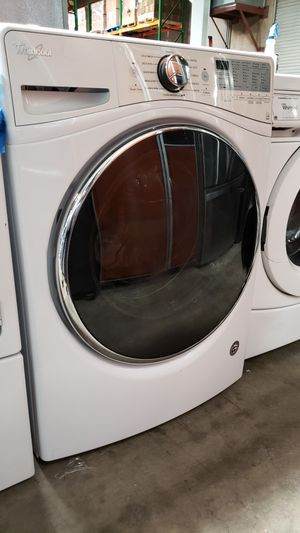 LIKE NEW ! WHIRLPOOL 2018 STEAM WASHER for Sale in Hawthorne, CA