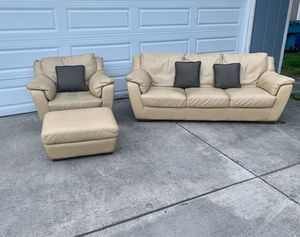 Modern modern real leather couch and matching chair **MUST SEE** for Sale in Vancouver, WA