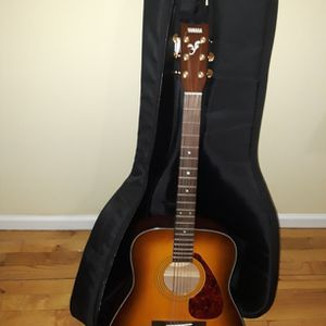 Acoustic guitar- YAMAHA F- 335 BTS. for Sale in Brooklyn, NY
