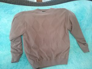 Men's large sweater in perfect shape and freshly laundered for only $5. Click to enlarge to see the beautiful pattern. for Sale in Sioux City, IA