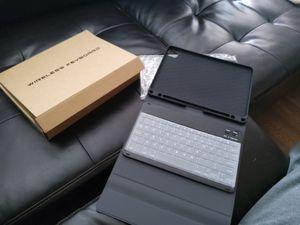 Ipad Pro Keyboard/Case for Sale in Glendale, AZ