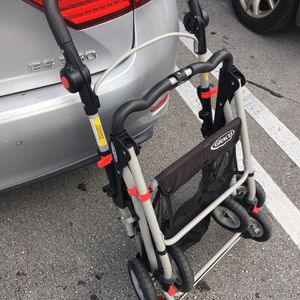 Graco Infant Baby Car Seat Carrier Light Stroller for Sale in Miami, FL