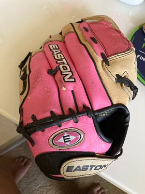 """Pink 12"""" Easton Softball Glove for Sale in Lake Elsinore, CA"""