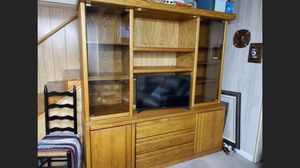 Solid oak tv/entertainment center for Sale in Columbus, OH