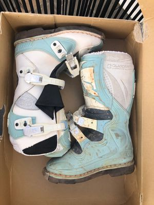 Thor Women's dirt bike boots size 6 for Sale in Costa Mesa, CA