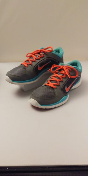Running Nike Shoes Size 8.5 for Sale in Everett, WA