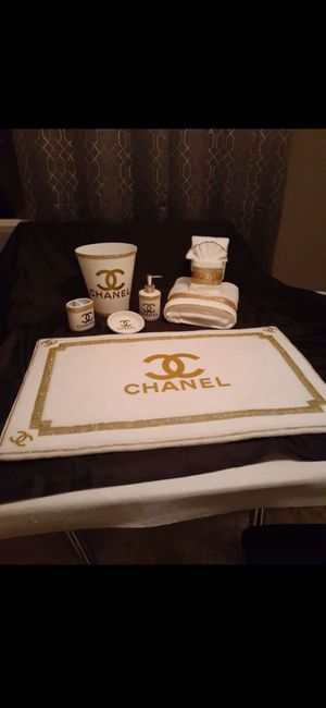 New 8 piece whit and gold bathroom set for Sale in Pueblo West, CO