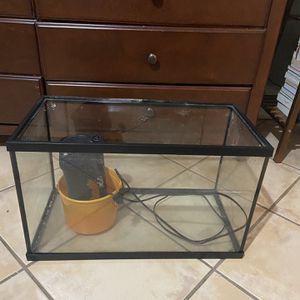 10 Gallon Fish Tank for Sale in Perris, CA