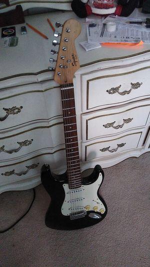 Electric guitar for Sale in Miami, FL
