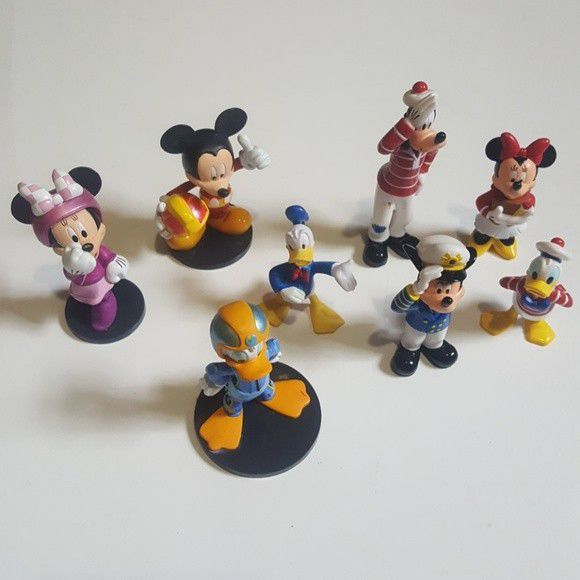 Lot of 8 Disney Mickey Mouse & Friends Figurines
