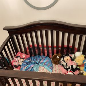 Solid Wood Crib. for Sale in Queens, NY