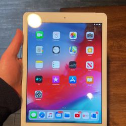 iPad Air Cellular/ WiFi for Sale in Gladstone,  OR