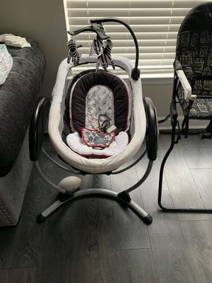 Infant swing for Sale in Baltimore, MD
