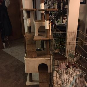 "Cat Tree - Perch. 5'6"" X 19"" X 19"" for Sale in Milton, FL"