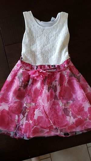 Flower dress for Girl size 5/6 for Sale in Las Vegas, NV