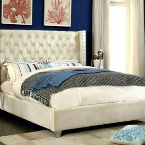 🎊Aiden Velvet White King Platform Bed by Meridian for Sale in Washington, DC