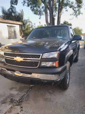 2007 Chevy Silverado 1500 4x4 z71 v8 for Sale in El Monte, CA