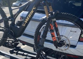 Thule T2 Pro XT 2- Bike Hitch Rack for Sale in Los Angeles,  CA