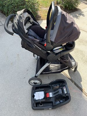 Graco click connect travel set for Sale in Virginia Beach, VA