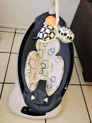 4moms baby swing mamaroo for Sale in Oakland Park, FL