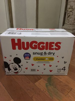 HUGGIES SIZE 4 148 pańales for Sale in Compton, CA