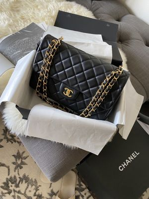 Chanel bag Black leather for Sale in Los Angeles, CA