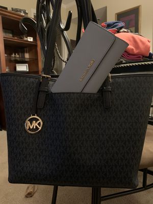 Authentic Michael Kors purse and wallet EUC. $75 for both. for Sale in Tallahassee, FL