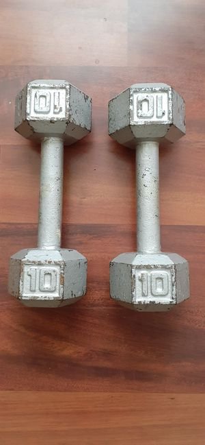 10 pound dumbbells for Sale in Baltimore, MD