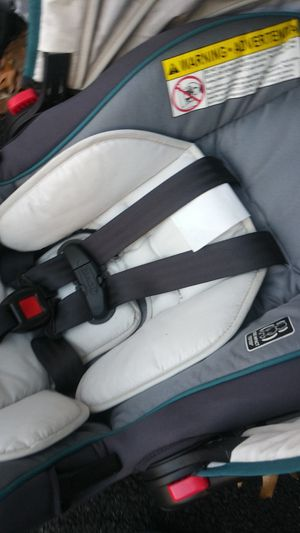 Brand new graco car seat along with baby carriage brand new never used for Sale in Lynn, MA