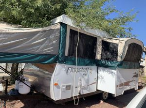 2008 flagstaff HW pop Up camper With large slide out electric lift for Sale in Phoenix, AZ