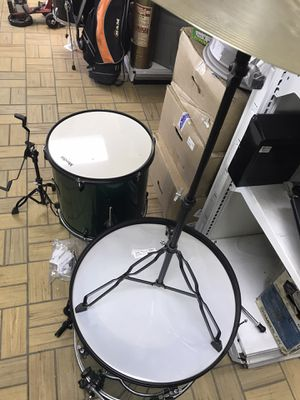 Drum set for pieces left with a stand for Sale in Detroit, MI