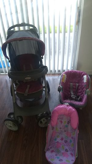 Gently used stroller and car seat set with free a tub seat must all go as a set for Sale in College Park, GA