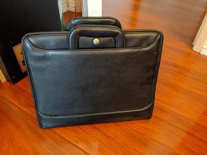 Padfolio Bindercase / Briefcase for Sale in City of Industry, CA