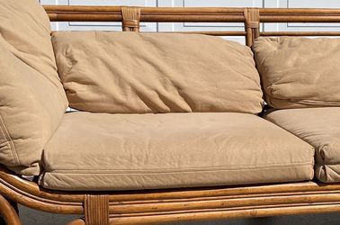 Vintage Rattan Couch for Sale in Orlando,  FL