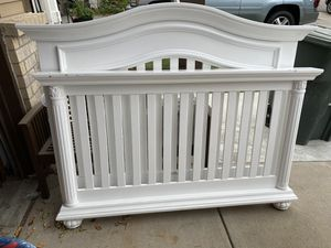 Beautiful crib for sale for Sale in Denver, CO