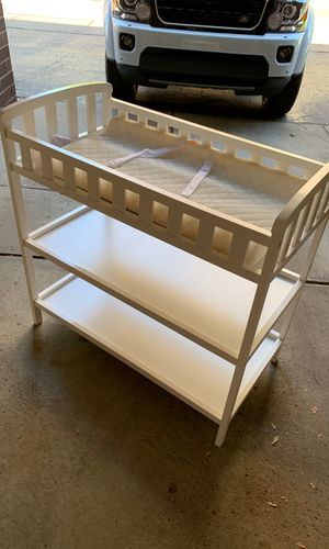 Changing table for Sale in Dearborn, MI